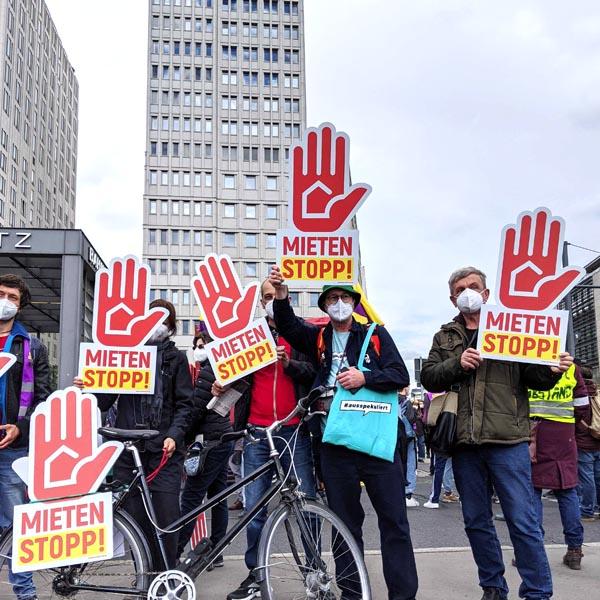 foto-berlin-mietenstopp-hände